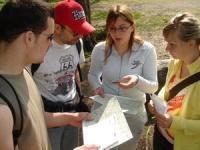 Préparation et discussion entre les membres d'une équipe